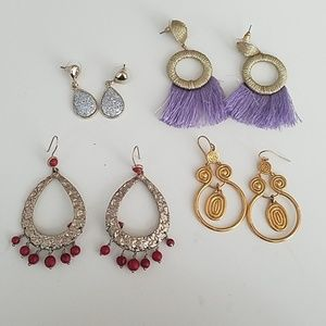 Jewelry - Bundle of Earrings!